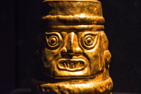 Gobelet cérémoniel - Museo Larco, Lima