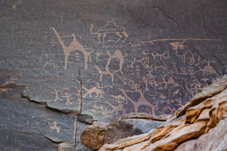 Pétroglyphes dans le Wadi Rum