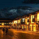 Plaza de Armas de nuit à Cusco
