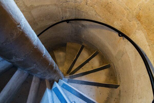 Escaliers des tours de Notre-Dame de Paris