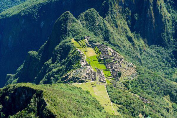 Machu Picchu depuis le sommet de la montagne