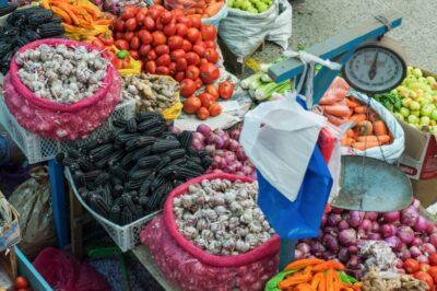 Vegetales at Mercado de Urubamba