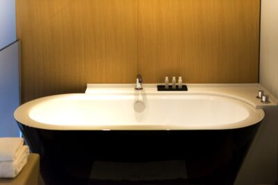 Baignoire à l'hôtel le Cinq Codet