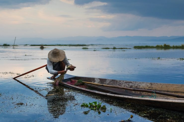 Sunset sur le lac Inle en Birmanie