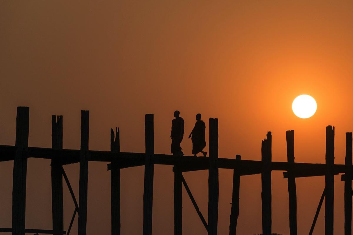 Coucher de soleil sur le pont U Bein