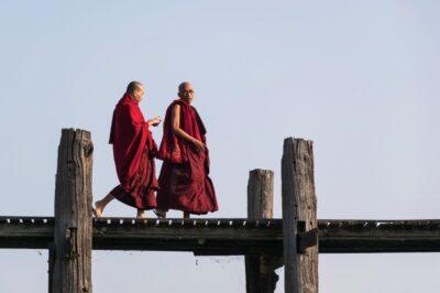 Monks on U Bein bridge