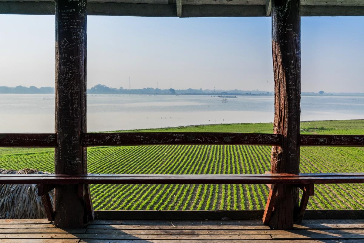 Panorama sur le lac depuis le pont U Bein