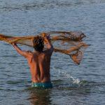 Pêcheur sur le lac Taungthaman