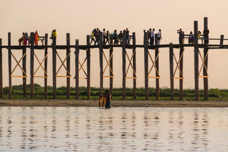 Pont U Bein depuis le lac