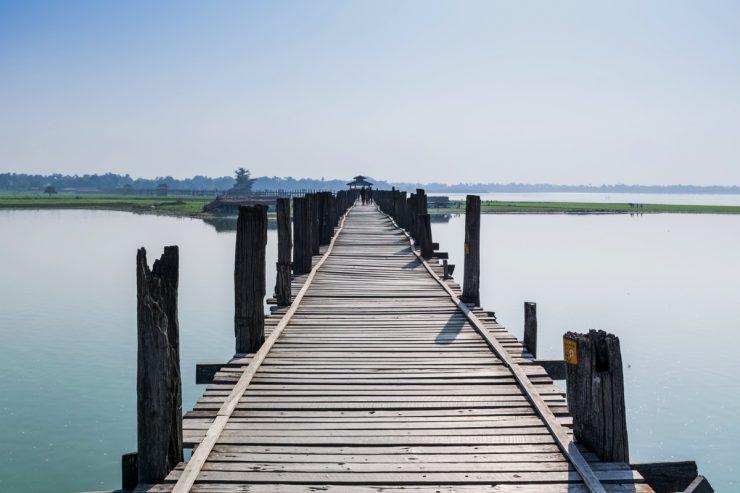 Pont de U Bein près de Mandalay en Birmanie