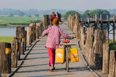 Sur le pont d'U Bein