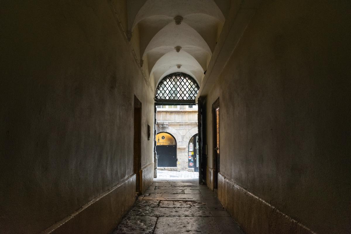 Entrée d'un immeuble du Vieux Lyon