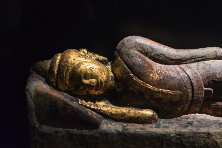 Statute de Bouddha au musée des Confluences de Lyon