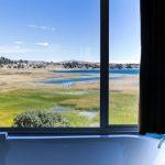 Baignoire dans la chambre au Titilaka lodge
