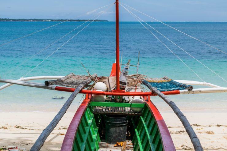 Bangka sur une plage de Dako Island