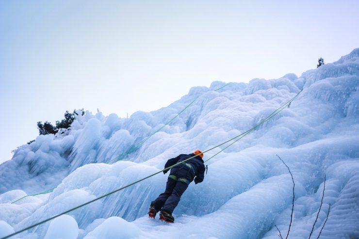Cascade de glace au Pays des Ecrins dans les Hautes-Alpes