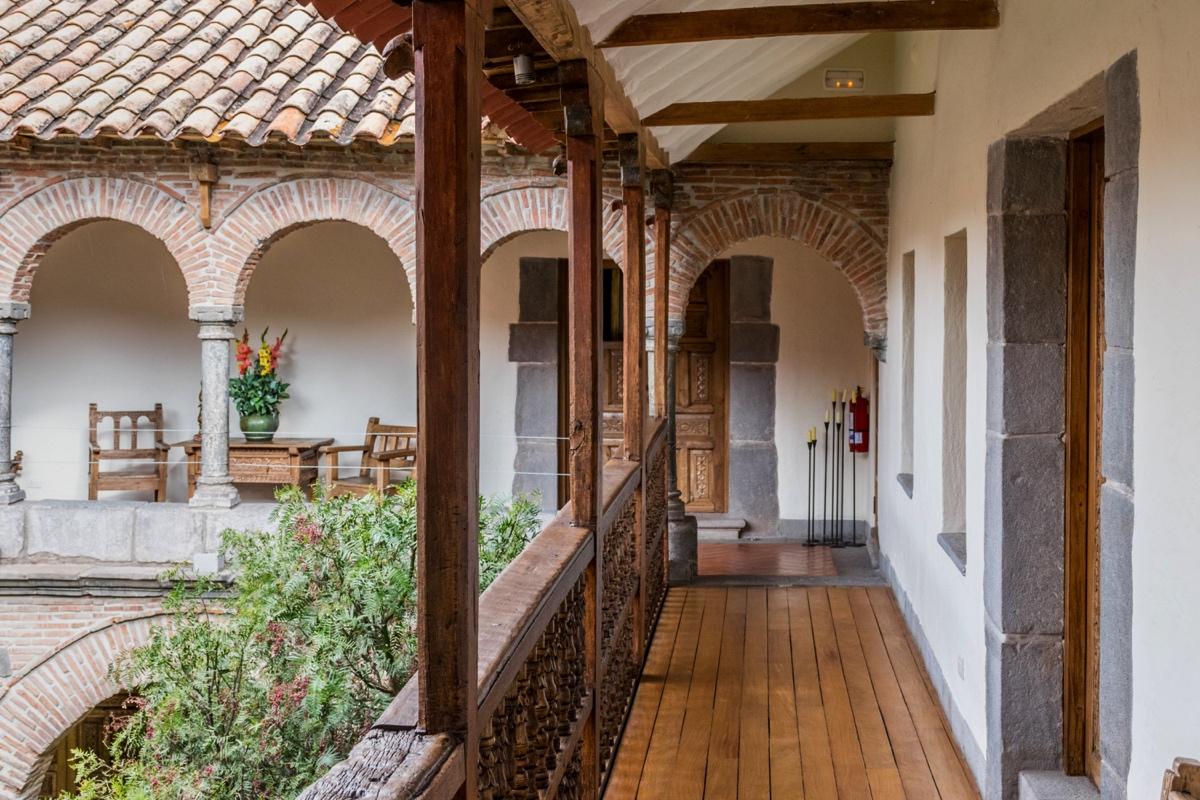 Couloir à l'étage de l'hôtel La Casona