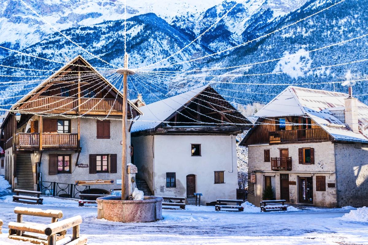 Place principale de Vallouise dans les Hautes-Alpes