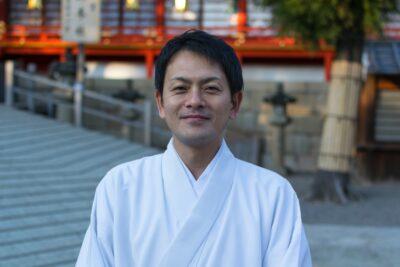 Portrait d'un prêtre shinto à Yawata