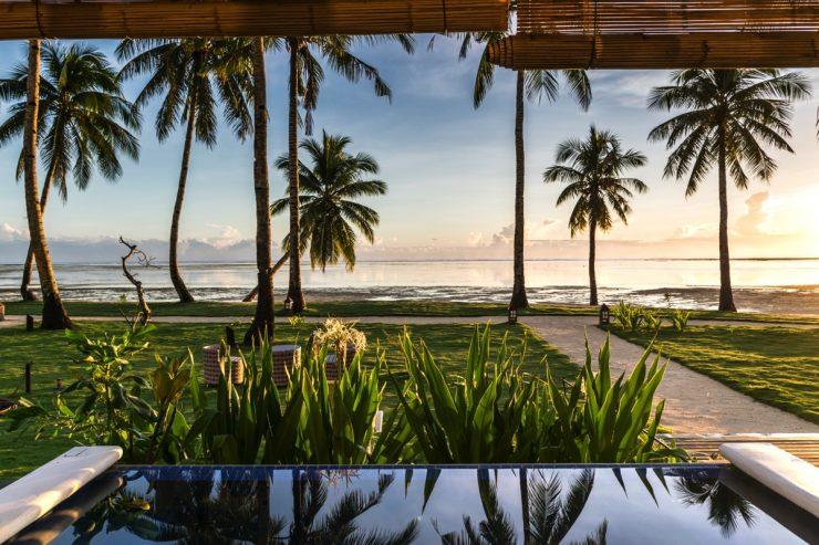 Terrasse des villas face à la mer