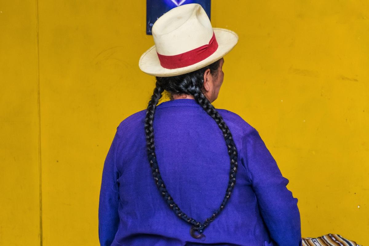 Femme en habit traditionnel