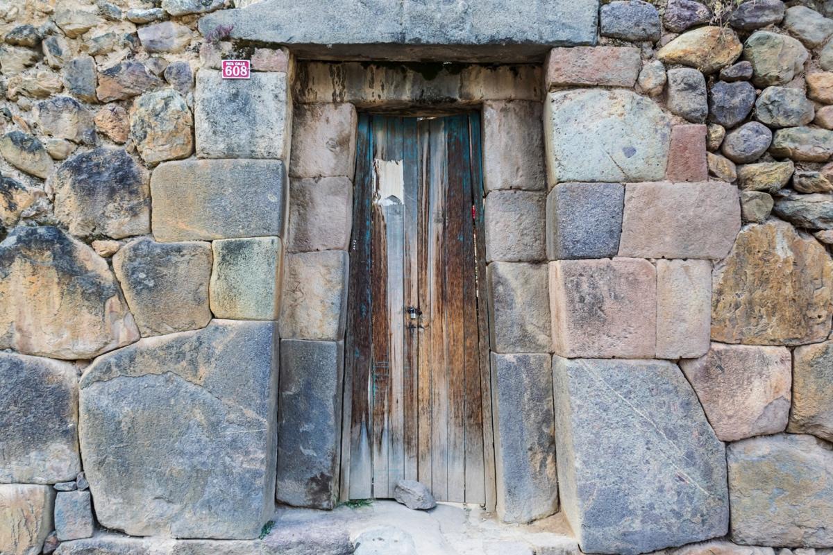 Porte traditionnelle inca à Ollantaytambo