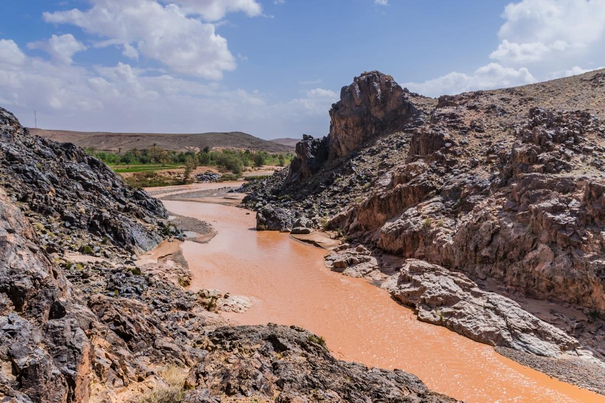 Oued Dadès à proximité de l'oasis de Sidi Flah