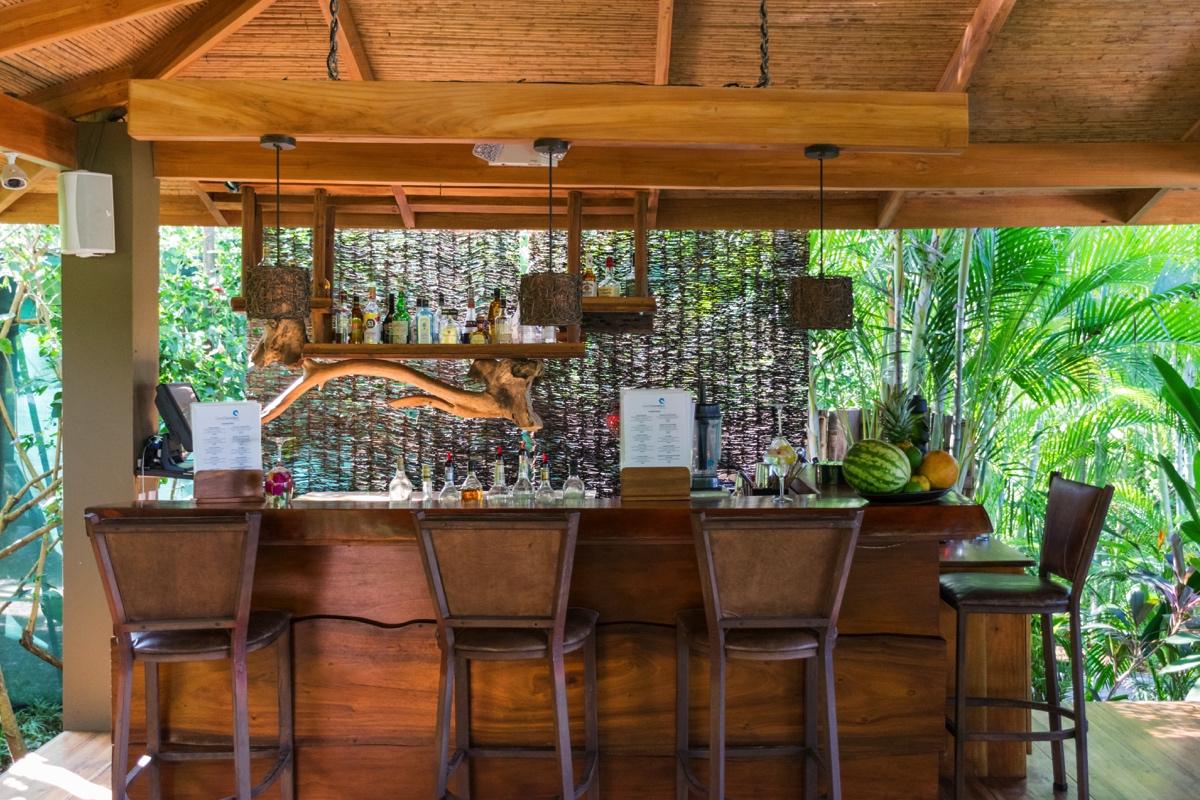 Bar de la Casa Chameleon à Mal País