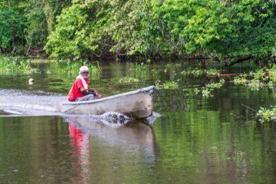 Pêcheur sur le Rio Sierpe