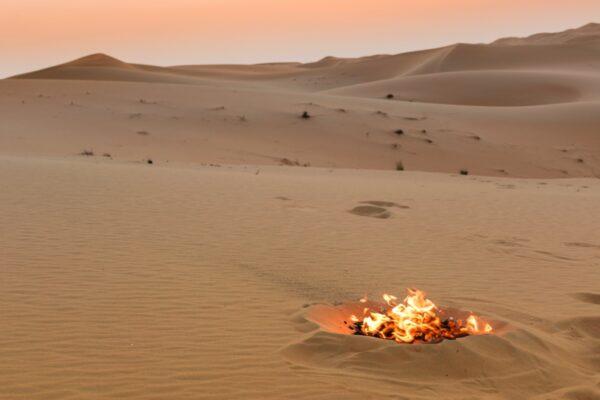 Feu dans le déset de Liwa aux UAE