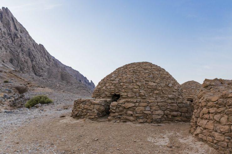 Tombes au pied du Jebel Hafeet