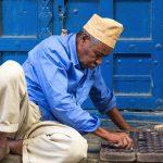 Joueur de bao à Zanzibar