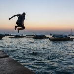 Plongeon dans le port de Stone Town