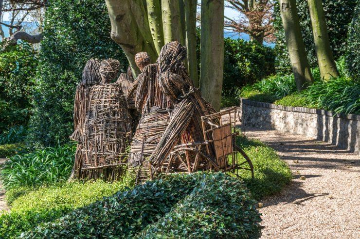 Sculptures en bambou dans les jardins d'Etretat