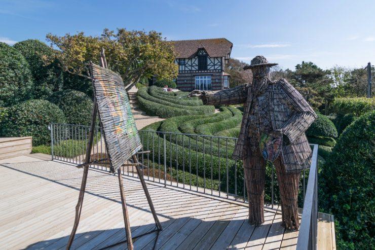 Statue de Claude Monet aux jardins d'Etretat