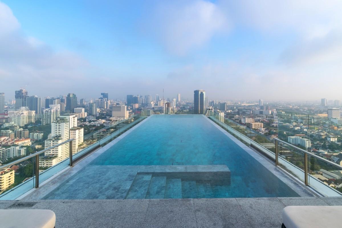 Infinity pool au 137 Pillars Suites de Bangkok