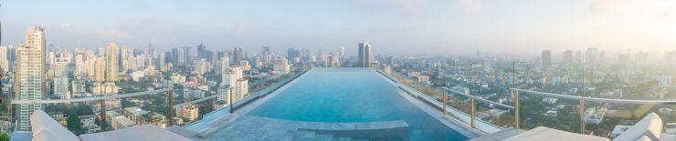 Panorama de la piscine du 137 Pillars Suites