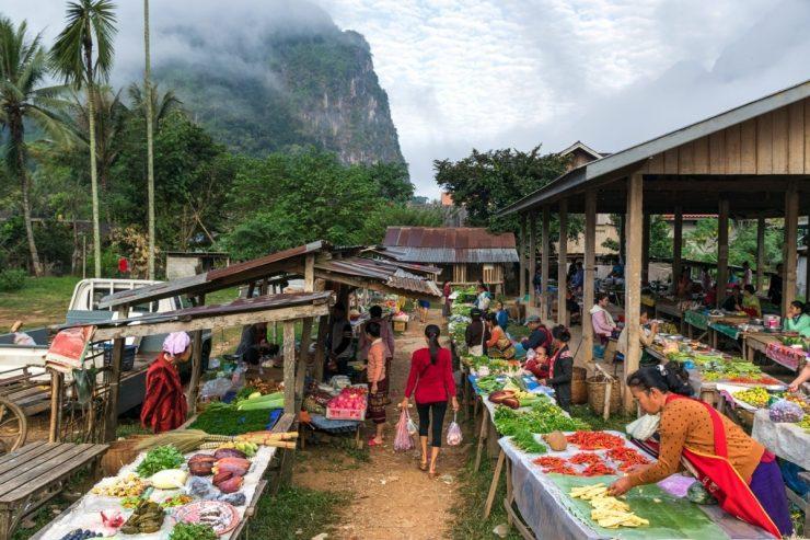 Marché rural dans le nord du Laos