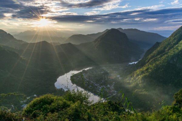 Pha Daeng peak au coucher de soleil