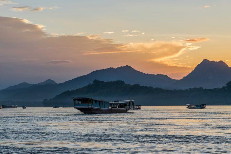 Coucher de soleil sur le Mékong au Laos