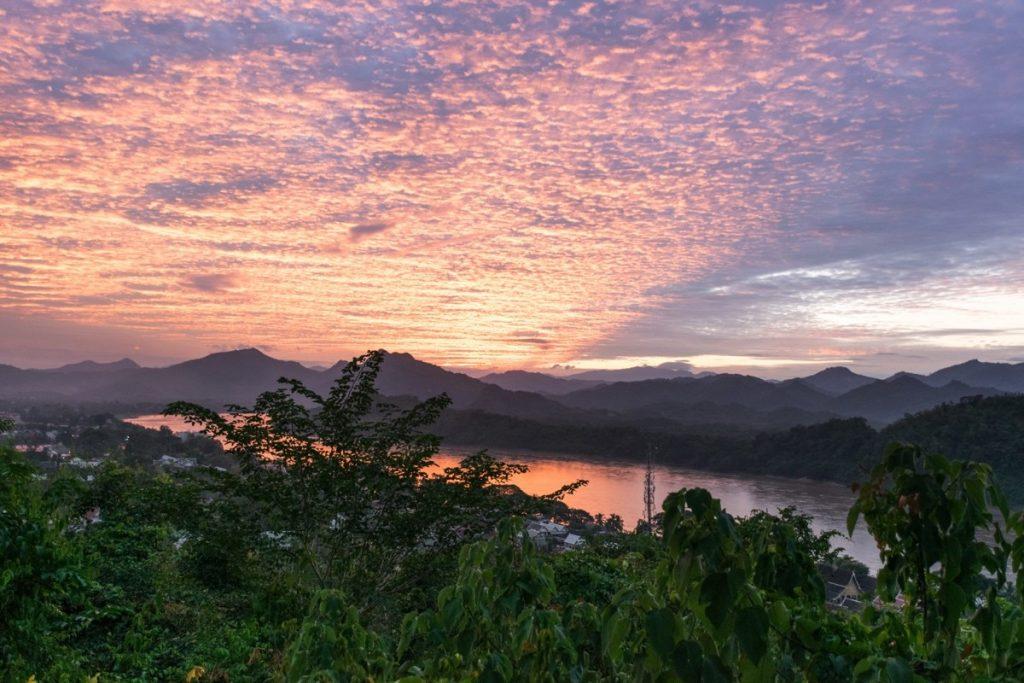 Coucher de soleil depuis le Mont Phousi à Luang Prabang