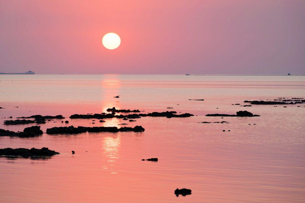 Coucher de soleil dans le nord du Qatar