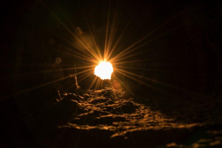 Soleil à travers une tour du fort al Zubarah