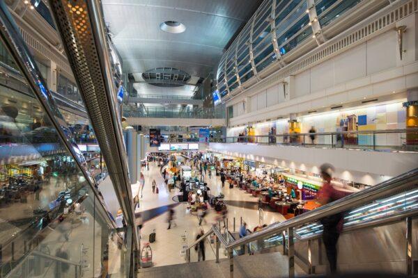Intérieur de l'aéroport de Dubai
