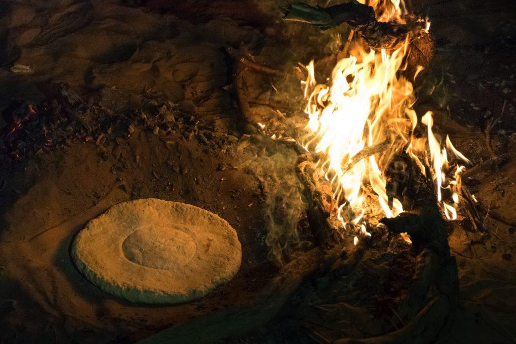 Pain cuit dans le sable