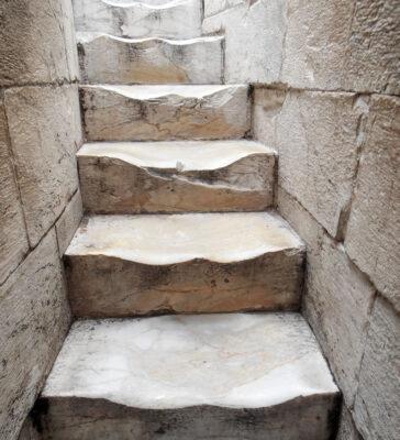 Escaliers de la tour de Pise