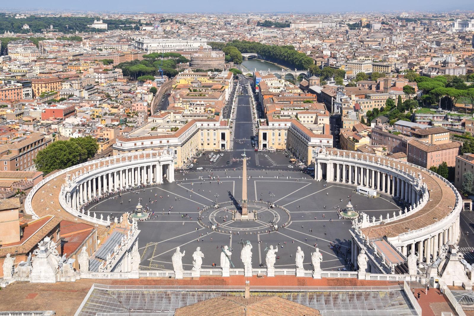 Place Saint Pierre Au Vatican Rome