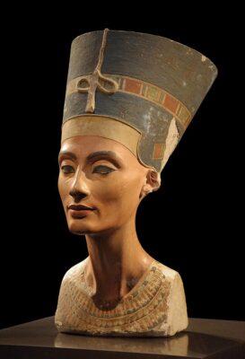 Buste de Néfertiti au Neues Museum de Berlin