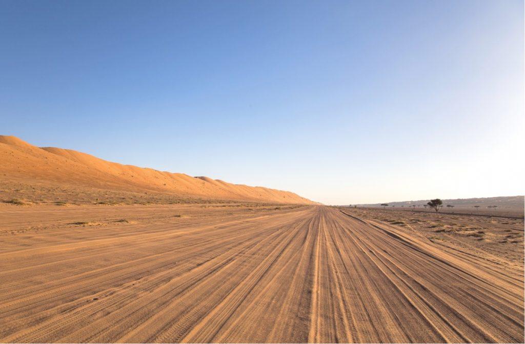 Route d'accès aux campements des Wahiba Sands
