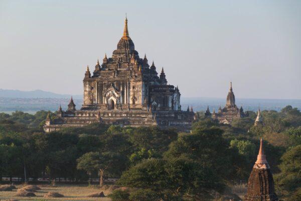 Temple Thatbyinnyu à Bagan